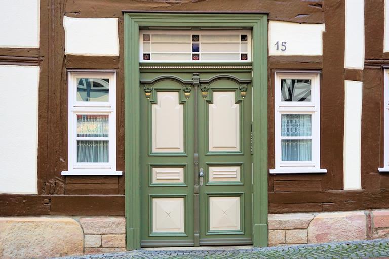 Vchodové dvere do rodinného domu